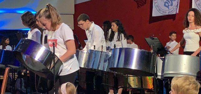 """""""Über Grenzen hinweg, ……. junge Menschen machen Kunst und Musik"""""""